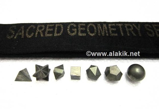 Picture of Pyrite 7pcs Geometry set with Velvet purse